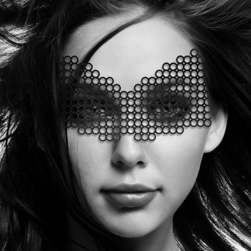 Маска на лицо Bijoux Indiscrets - Erika Mask, виниловая, клеевое крепление, без завязок