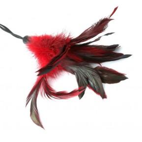 Метелочка-щекоталка Sportsheets - PLEASURE FEATHER Red на веревочной петле